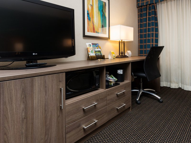 Holiday Inn Des Moines Downtown - Mercy Area-Guest Room Work Station<br/>Image from Leonardo