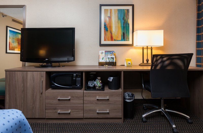 Holiday Inn Des Moines Downtown - Mercy Area-Guest Room Featuer<br/>Image from Leonardo