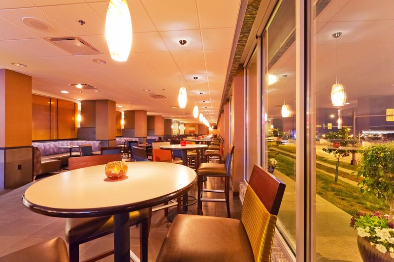 Holiday Inn Des Moines Downtown - Mercy Area-Cityscape<br/>Image from Leonardo