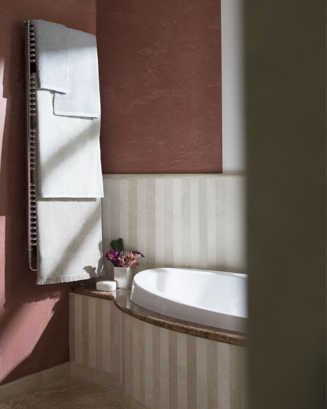 Lefay Resort & Spa-Prestige Deluxe Junior Suite Bathroom Detail<br/>Image from Leonardo