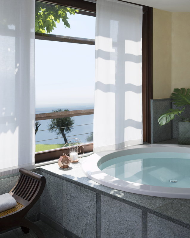 Lefay Resort & Spa-Exclusive SuiteJacuzzi<br/>Image from Leonardo