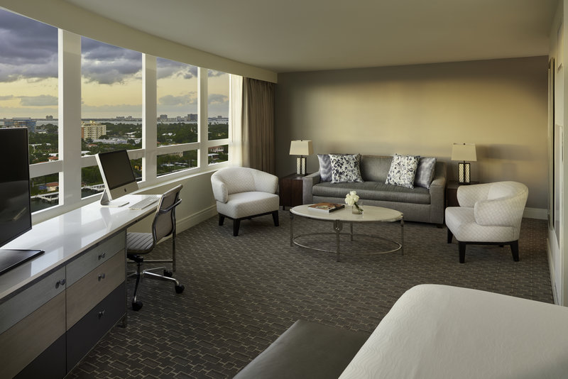 Fontainebleau Miami Beach - Bay View Junior Suite <br/>Image from Leonardo
