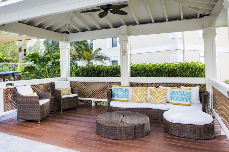 Sunshine Suites-Pool Lounge<br/>Image from Leonardo