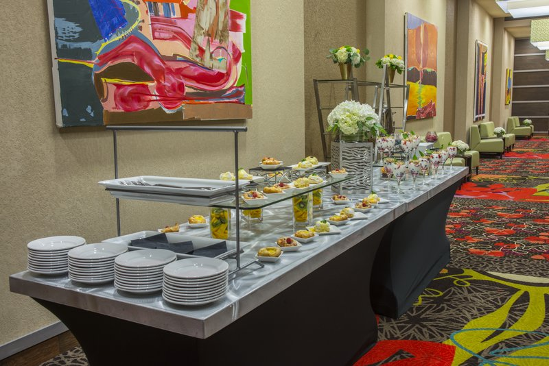 Holiday Inn Knoxville Downtown-Buffet<br/>Image from Leonardo