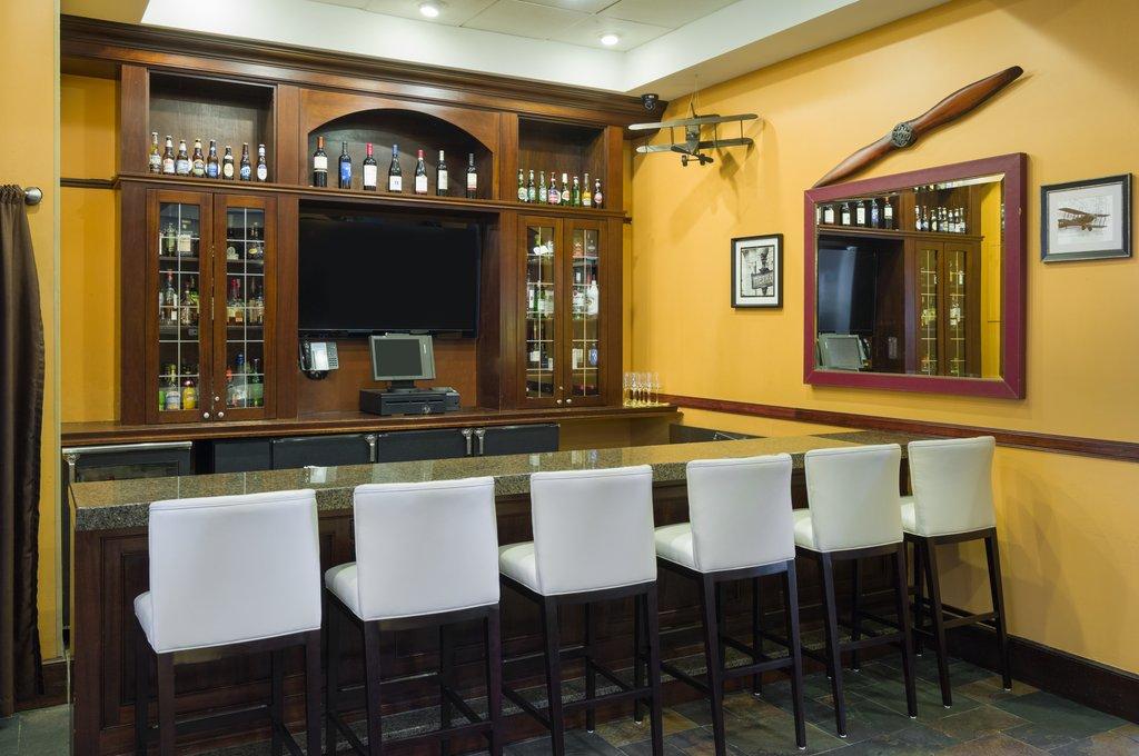 Sheraton JFK Airport Hotel-Bar<br/>Image from Leonardo
