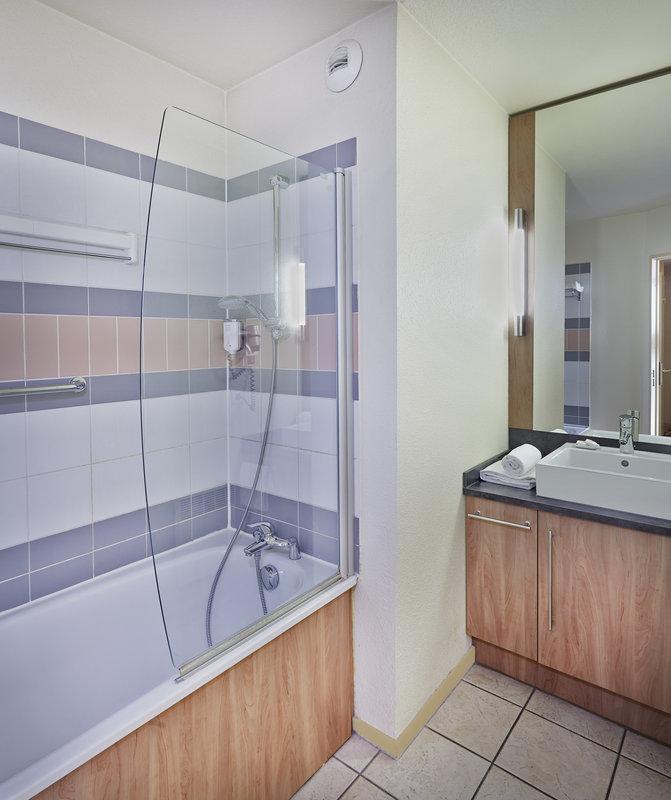 Citadines Kleber Strasbourg-Citadines Kl Ber Strasbourg ,Bathroom<br/>Image from Leonardo