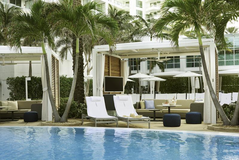 Fontainebleau Miami Beach - Premium Cabana <br/>Image from Leonardo