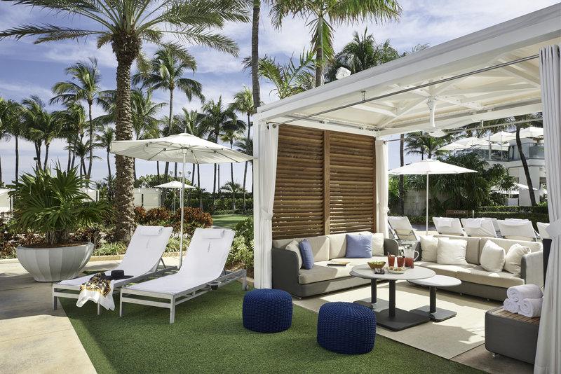 Fontainebleau Miami Beach - Supreme Cabana <br/>Image from Leonardo
