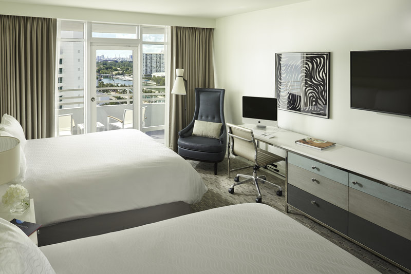 Fontainebleau Miami Beach - Deluxe Bay View Balcony - 2 Queens <br/>Image from Leonardo