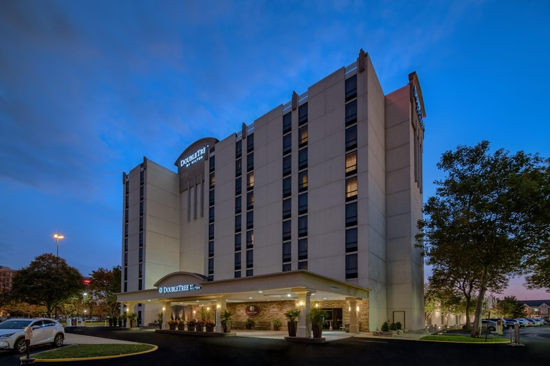DoubleTree by Hilton Hotel Philadelphia Airport-Hotel Exterior Night<br/>Image from Leonardo
