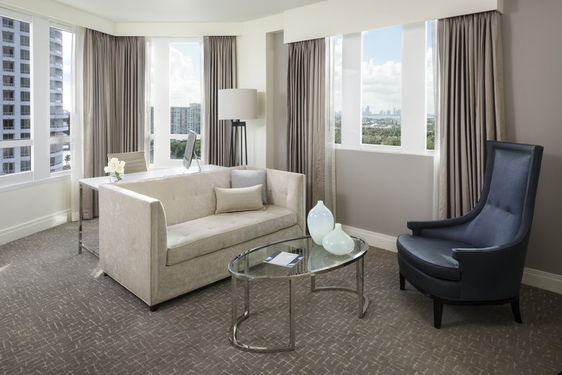 Fontainebleau Miami Beach - Bay View Junior Suite Double <br/>Image from Leonardo