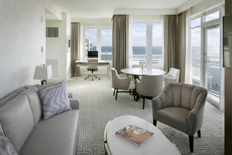 Fontainebleau Miami Beach - Executive One Bedroom Suite King <br/>Image from Leonardo