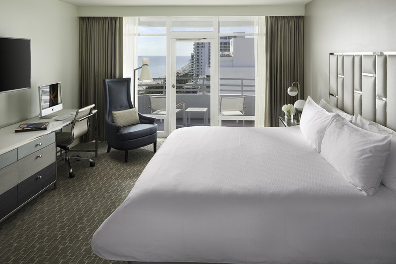 Fontainebleau Miami Beach - Grand One Bedroom Suite King Balcony <br/>Image from Leonardo