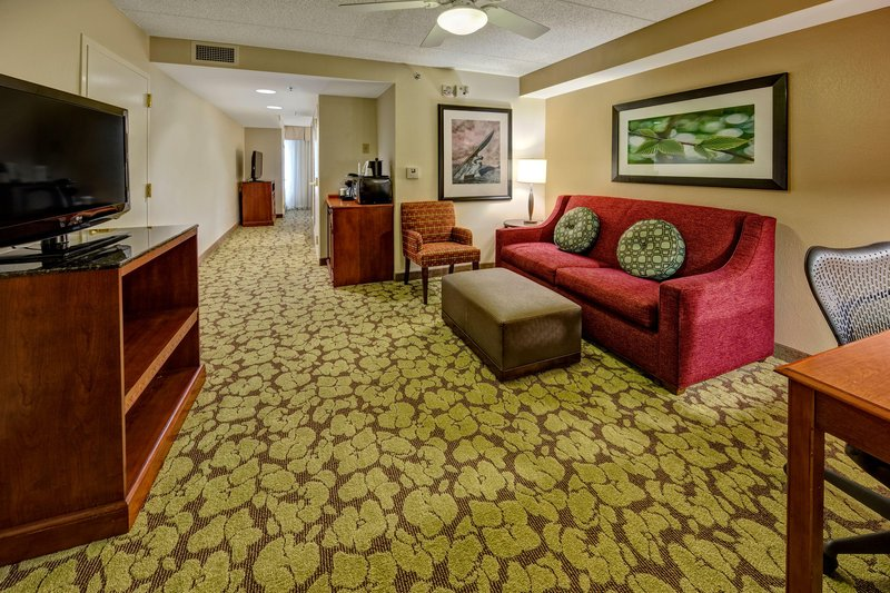 Hilton Garden Inn Indianapolis Northeast/Fishers-Accessible Double Queen Suite<br/>Image from Leonardo