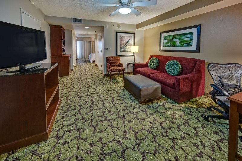 Hilton Garden Inn Indianapolis Northeast/Fishers-One King One Bedroom<br/>Image from Leonardo