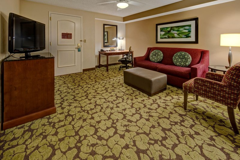 Hilton Garden Inn Indianapolis Northeast/Fishers-Parlour Suite<br/>Image from Leonardo