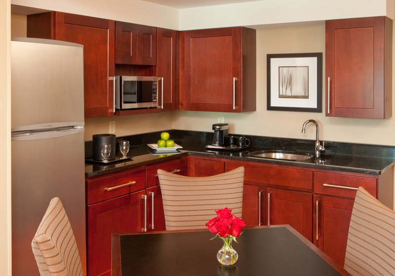 Crowne Plaza Boston - Woburn-Suite L<br/>Image from Leonardo