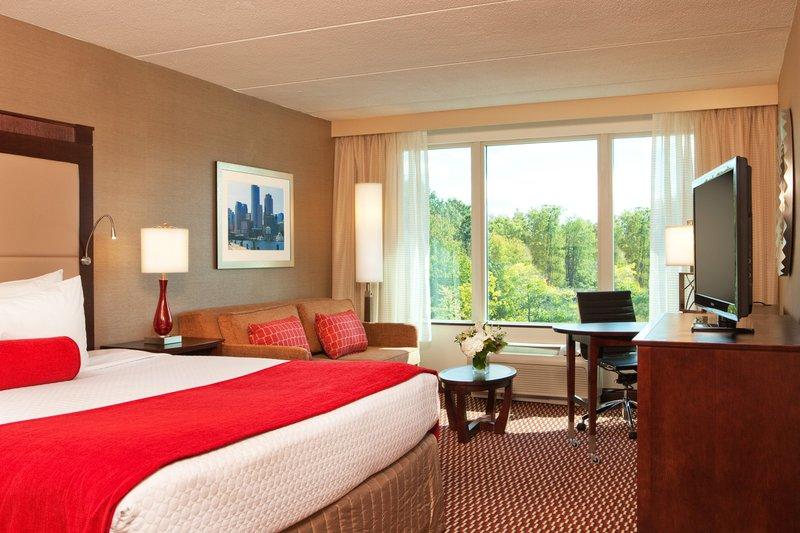 Crowne Plaza Boston - Woburn-King Room L<br/>Image from Leonardo