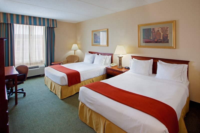 Holiday Inn Express Hanover-Queen Bed Guest Room<br/>Image from Leonardo