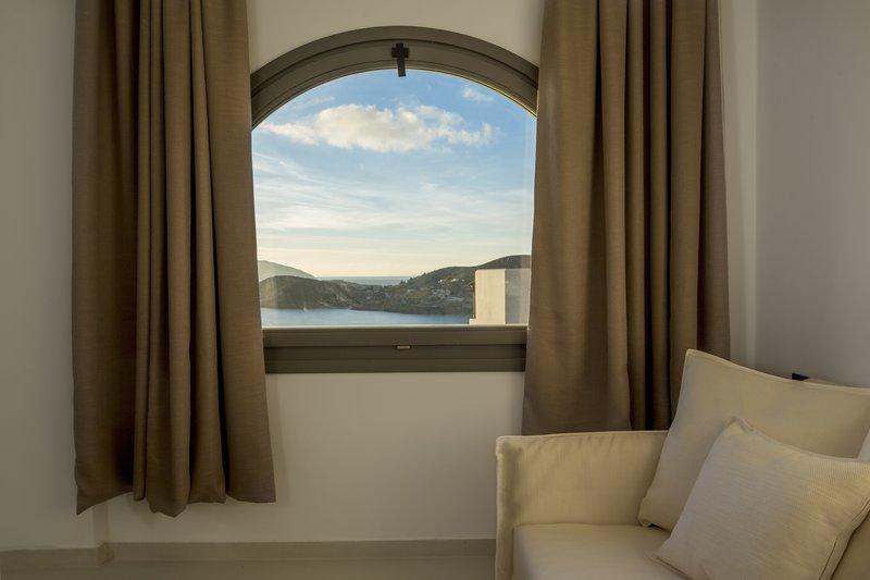 Poseidon Hotel-Deluxe Suite<br/>Image from Leonardo