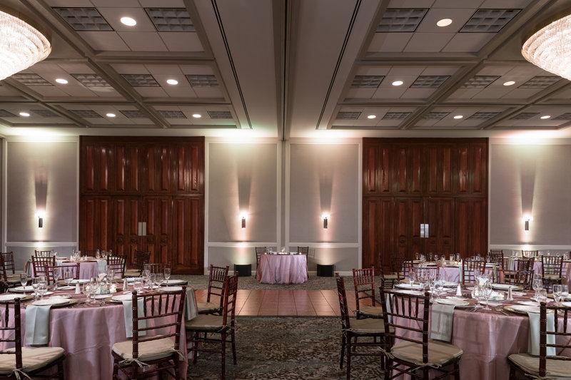 DoubleTree by Hilton Hotel Philadelphia Airport-Ballroom Wedding Set<br/>Image from Leonardo