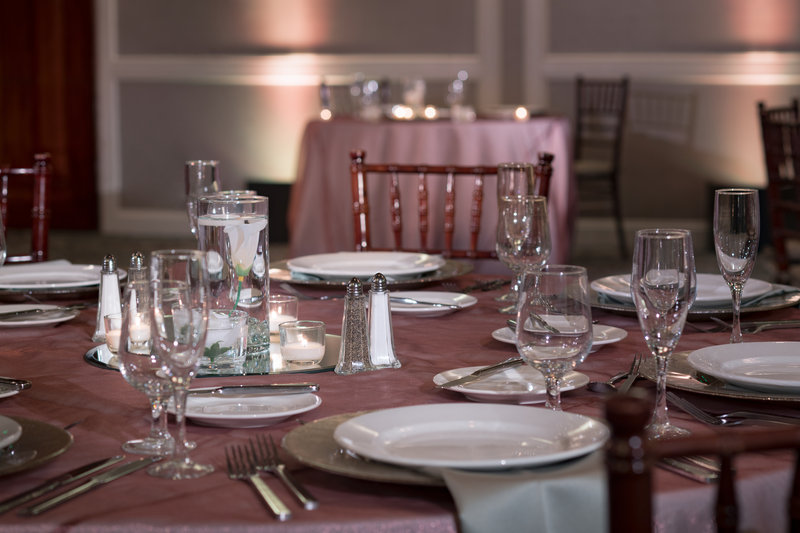 DoubleTree by Hilton Hotel Philadelphia Airport-Wedding Table Set<br/>Image from Leonardo