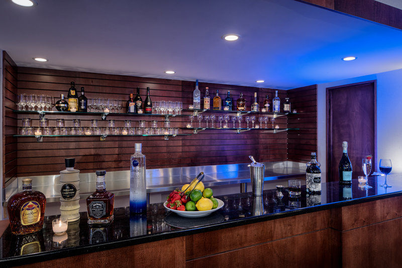 DoubleTree by Hilton Hotel Philadelphia Airport-Bar Set Up<br/>Image from Leonardo
