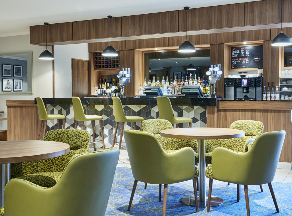 Jurys Inn Cheltenham-Bar<br/>Image from Leonardo