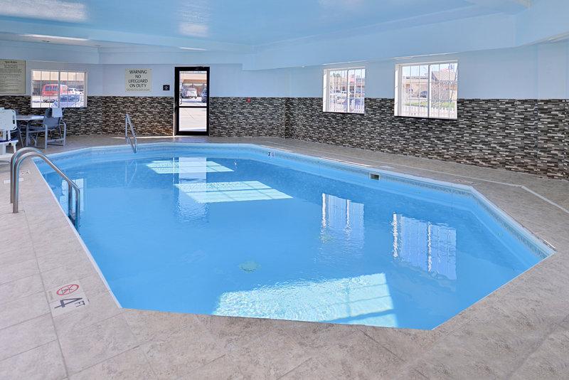 Best Western Old Mill Inn-Bwom Pool<br/>Image from Leonardo
