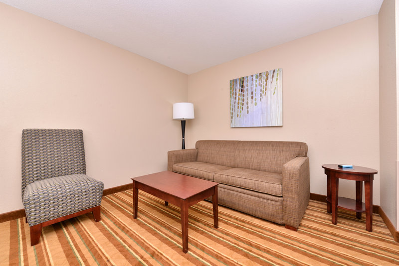 Best Western Old Mill Inn-Bwom Execute Rm With Pull Out Couch<br/>Image from Leonardo