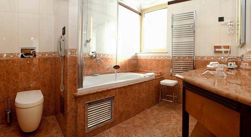 Boutique Hotel More-bathroom<br/>Image from Leonardo