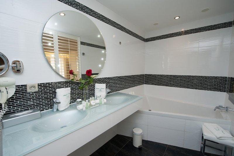 Auberge de Cassagne-Pool Suite Bathroom<br/>Image from Leonardo