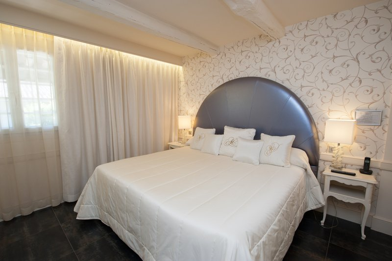 Auberge de Cassagne-Pool Suite Bedroom<br/>Image from Leonardo