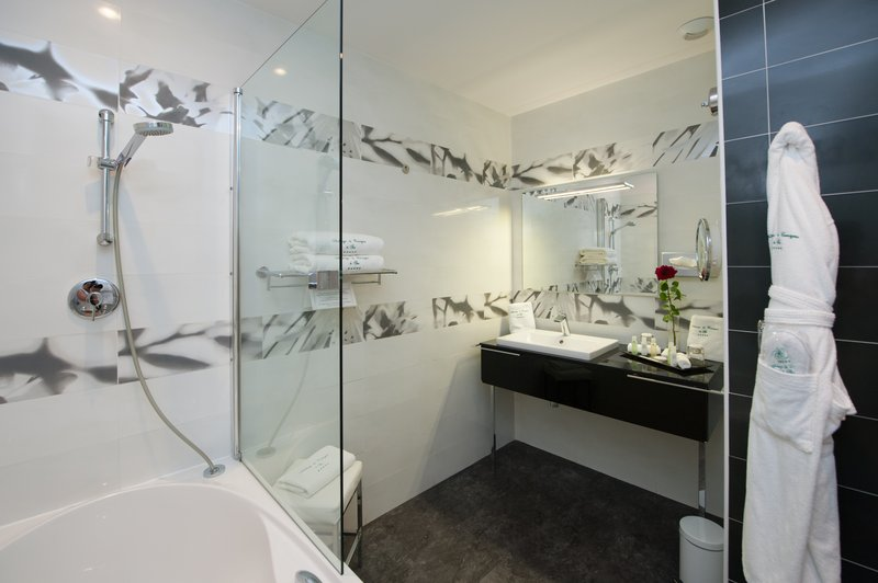 Auberge de Cassagne-Comfort Room - Bathroom<br/>Image from Leonardo