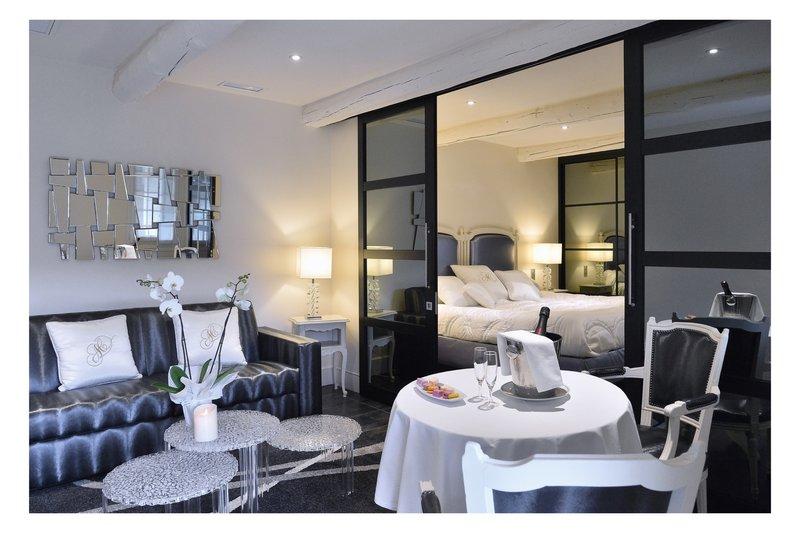 Auberge de Cassagne-Garden Suite Living Room<br/>Image from Leonardo