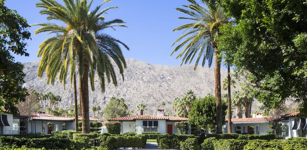 Avalon Hotel and Bungalows-Fountain Courtyard<br/>Image from Leonardo