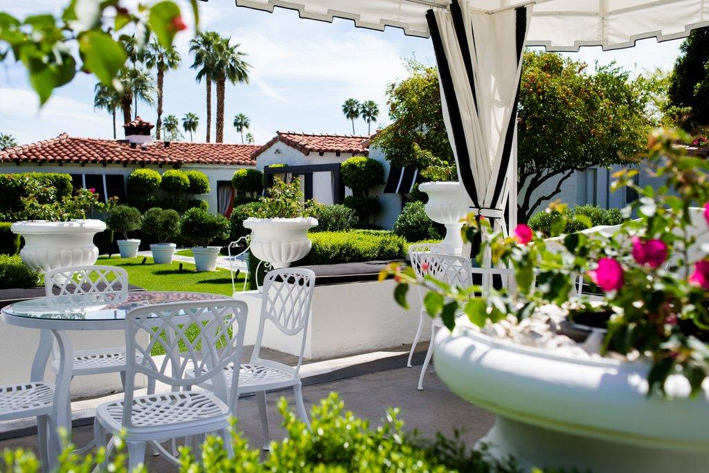 Avalon Hotel and Bungalows-Regency Courtyard Cabana<br/>Image from Leonardo