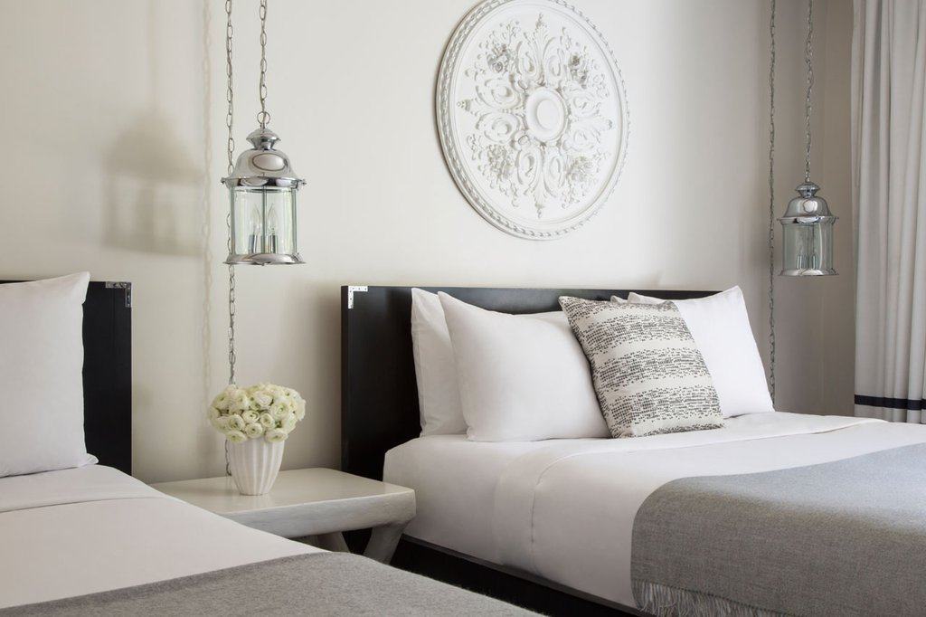 Avalon Hotel and Bungalows-Premium Studio Two Queens<br/>Image from Leonardo
