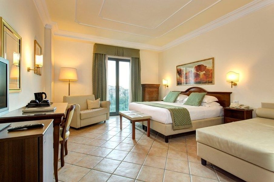 Athena Hotel-Executive room double/twin bed<br/>Image from Leonardo