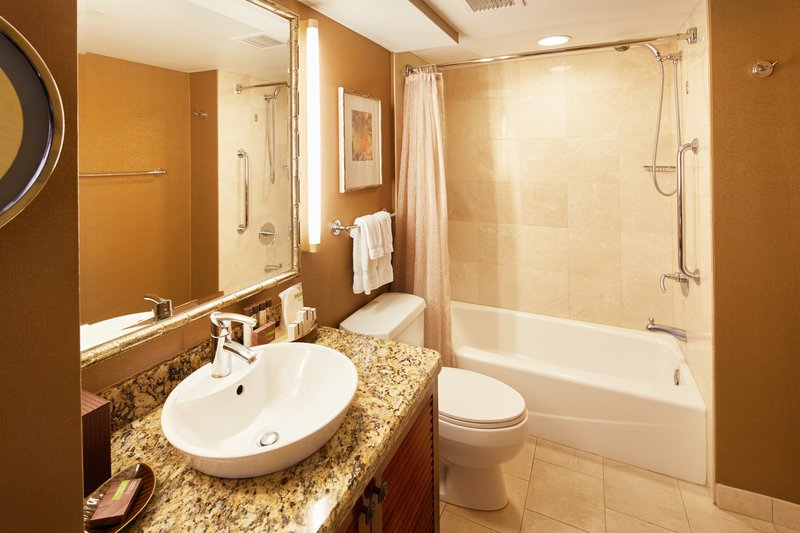 Outrigger Reef Waikiki Beach Resort - Outrigger Reef Waikiki Beach Pacific Tower Ocean View Bathroom <br/>Image from Leonardo