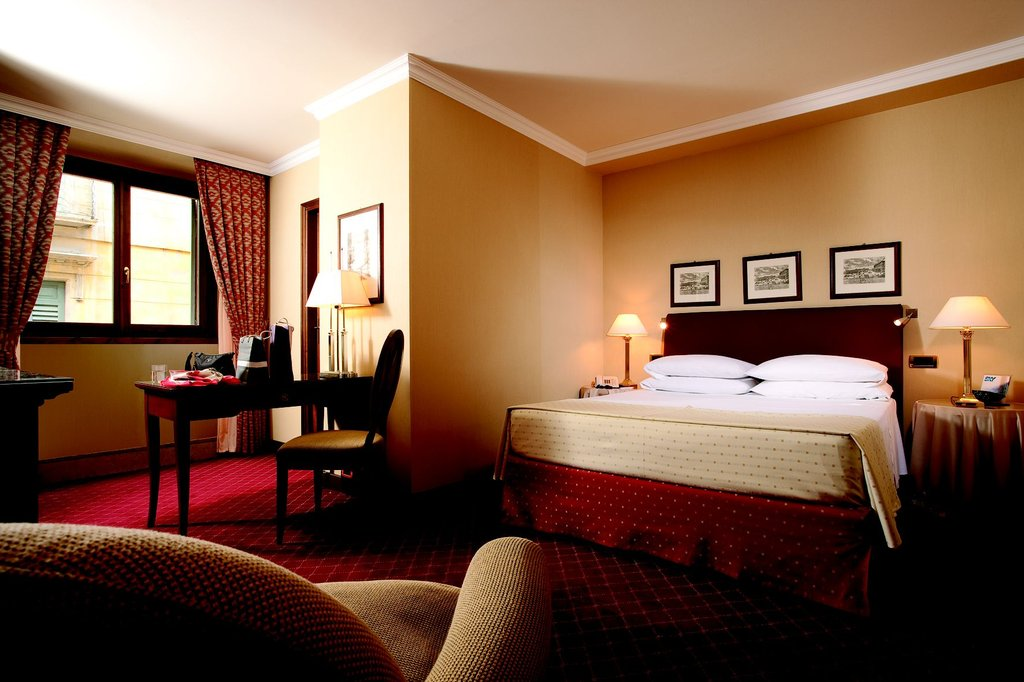 Accademia Hotel-Room with large or twin bed<br/>Image from Leonardo