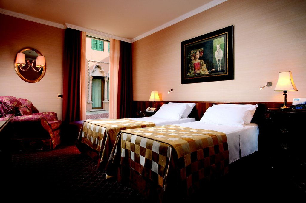 Accademia Hotel-Superior room large/twin bed<br/>Image from Leonardo