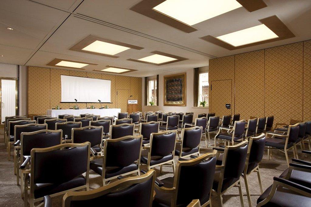 Accademia Hotel-Meeting room<br/>Image from Leonardo