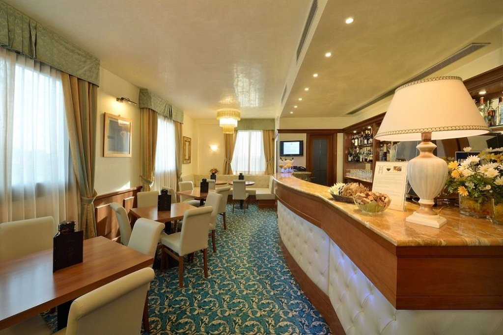 Athena Hotel-Bar<br/>Image from Leonardo