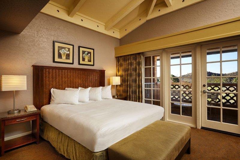 Pointe Hilton Tapatio Cliffs - Signature Suite Bedroom <br/>Image from Leonardo