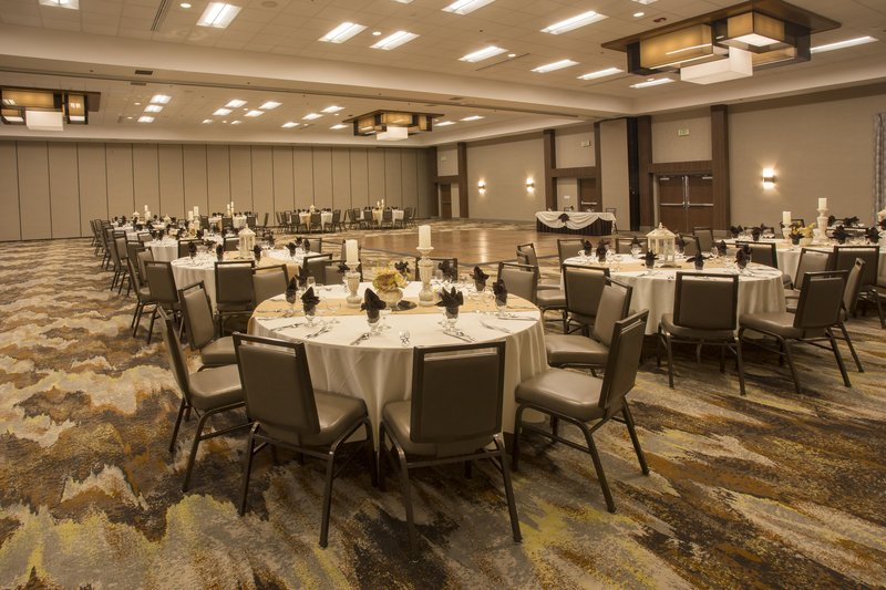 DoubleTree by Hilton Hotel Fresno Convention Center-Salon B & C<br/>Image from Leonardo