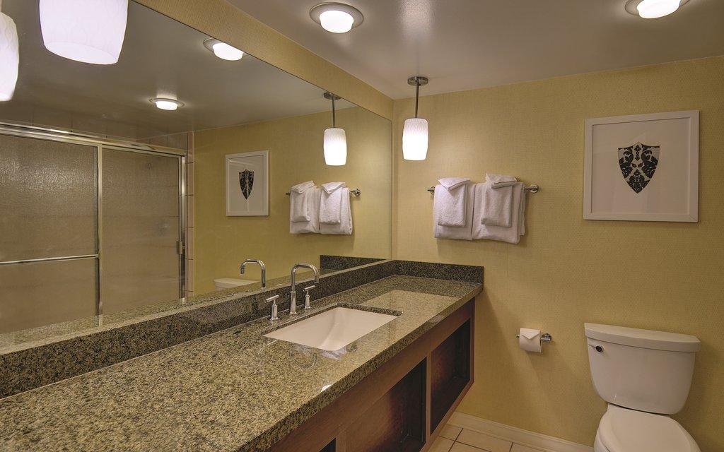 Excalibur Hotel and Casino - Resort Tower Queen Bathroom <br/>Image from Leonardo