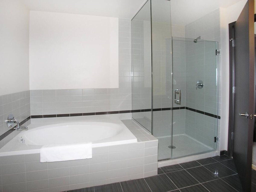 State And Grand Apartments-Bathroom<br/>Image from Leonardo