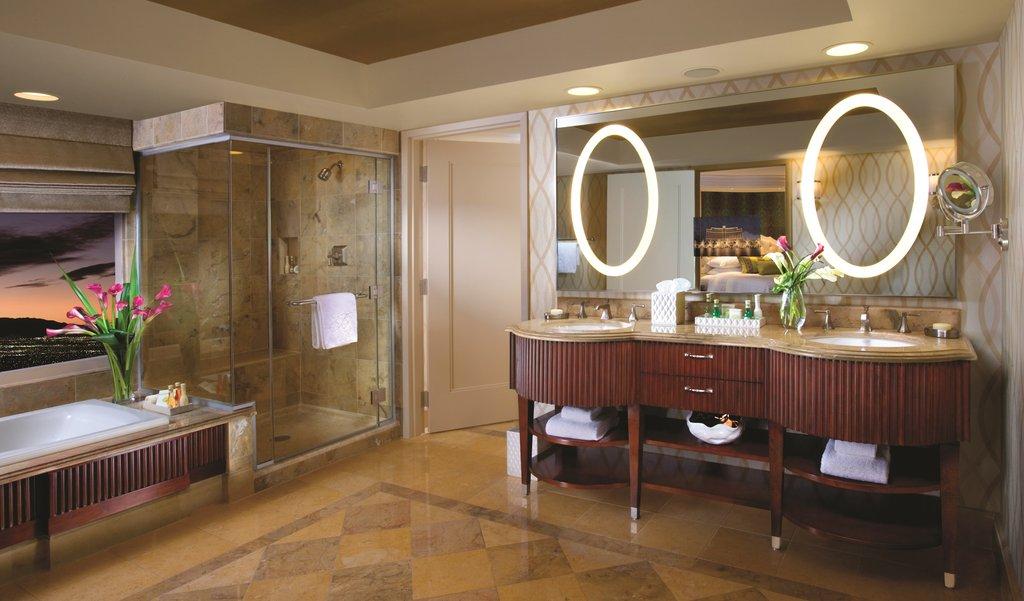 Bellagio - Salone Suite Bathroom <br/>Image from Leonardo