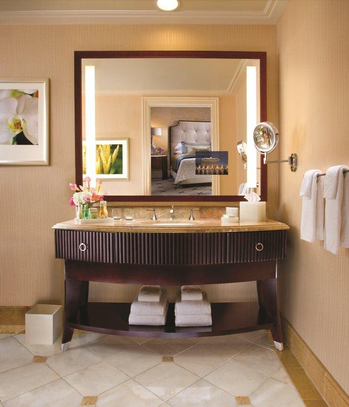 Bellagio-Bellagio Suite Bathroom<br/>Image from Leonardo